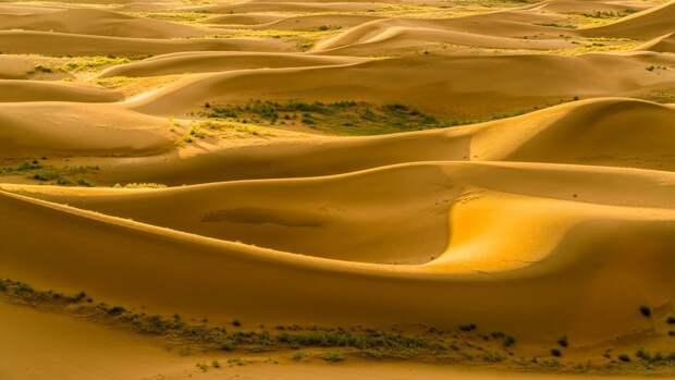 Загадочные озёра пустыни Бадын-Джаран