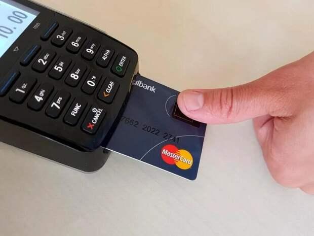 Банковская карта с отпечатками пальцев - как тебе такое Илон Маск?