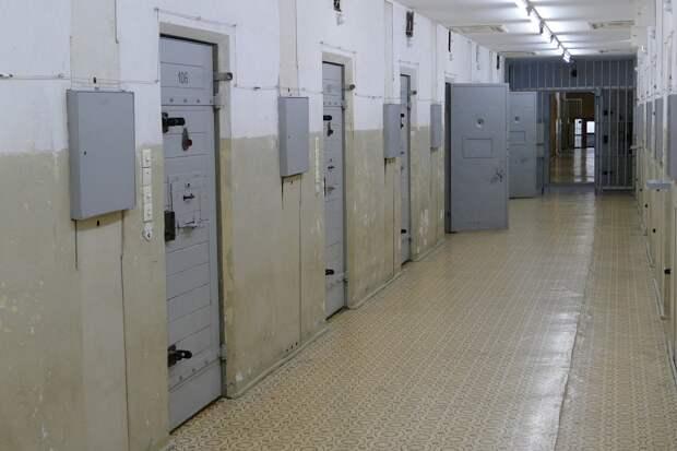 Троих налётчиков на ювелирный магазин в Ижевске заключили под стражу