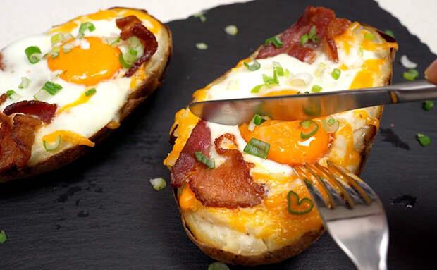 Если дома есть одна картофелина, то ее хватит на ужин. Просто добавим немного сыра, яйцо и бекон