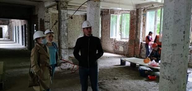В поликлинике в Чапаевском переулке  заменили деревянные межэтажные перекрытия