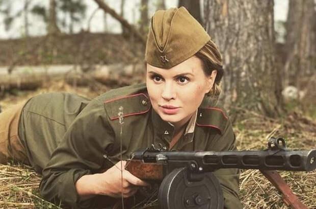 На каком фронте воевала, подруга?