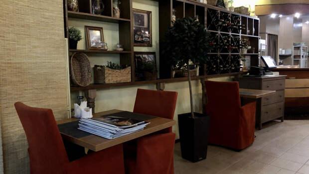 Некорректный перевод меню в ресторане РФ вогнал иностранца в краску