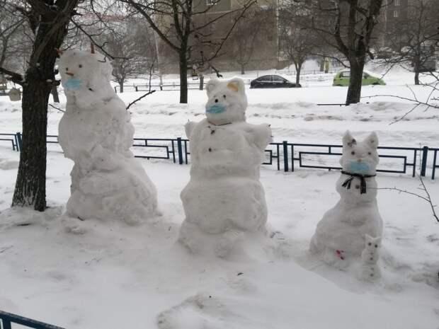 2021-й год начался со снеговиков
