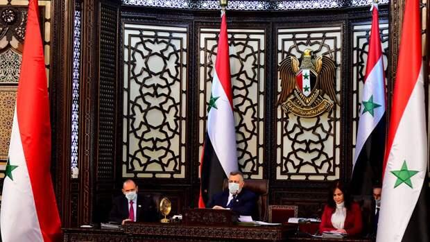 Число кандидатов на участие в выборах президента Сирии увеличилось до 12