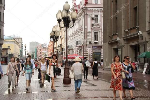 В России начали действовать ограничения по количеству людей и пройденному расстоянию на улице – правила, которые готовят к чему-то неприятному
