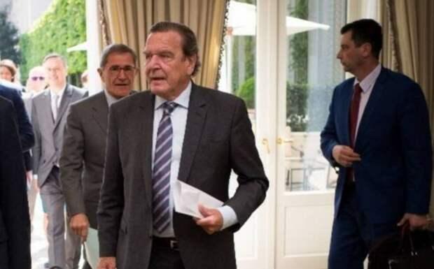 Герхард Шредер: Россия – опасный, но лучший союзник, а Запад утратил своё значение