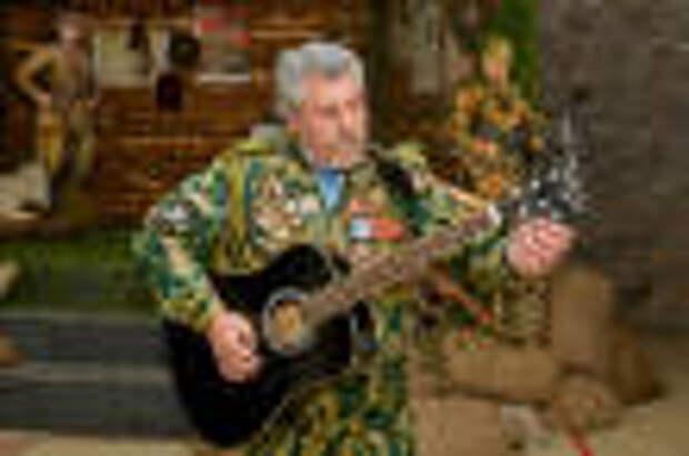 В Оленегорске состоялся гала-концерт областного фестиваля солдатской песни «С боевыми друзьями встречаюсь, чтобы памяти нить не прервать…»