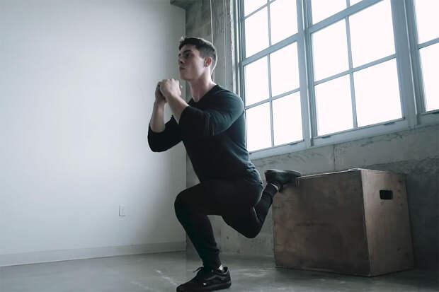 Тренировка на ноги дома —упражнение 2
