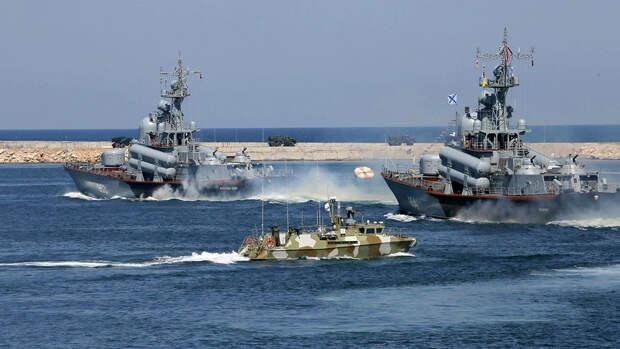 NI рассказал о возможном столкновении российского и американского флота в Черном море