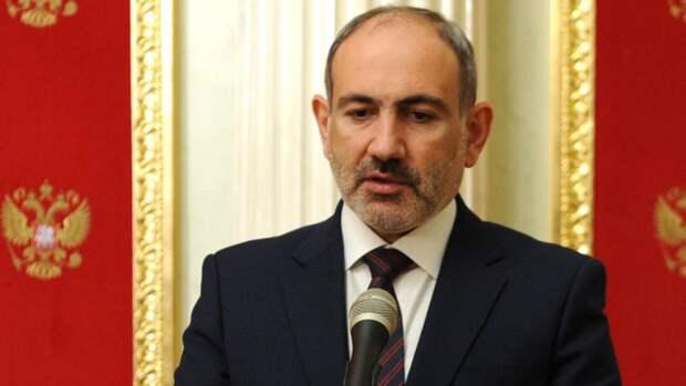 Пашинян заявил об участии военных 102-й базы ВС РФ в переговорах с Азербайджаном
