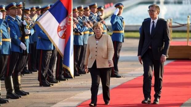 Президент Сербии прогнулся перед Меркель