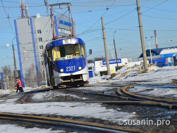 Жительница Ижевска пожаловалась на шум от проезжающих мимо ее дома трамваев