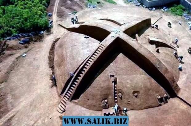Раскопали загадочную гробницу в форме логотипа Xbox
