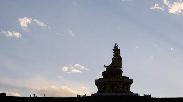 Академия Ярчен Гар: затерянный город-монастырь вТибете