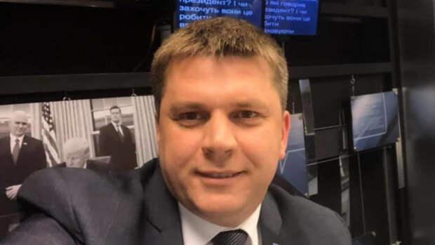 Украинский депутат отреагировал на уничтожение плакатов ко Дню Победы