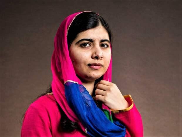 Малала Юсуфзай - пакистанская правозащитница. Получила премию мира в 17 лет.