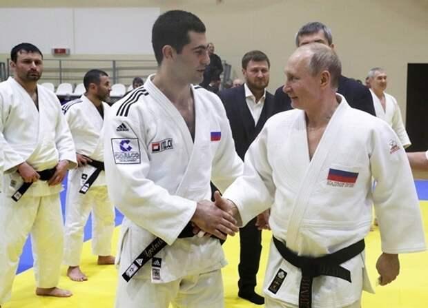 Дмитрий Песков рассказал о ежедневных спортивных тренировках Владимира Путина