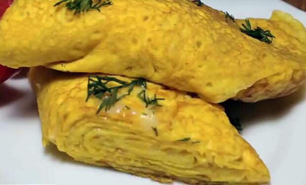 Омлет-рулет: заворачиваем яйца и делаем вкусноту