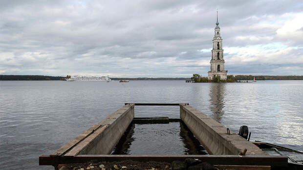 """Известную """"плавучую"""" колокольню в Калязине отреставрируют и подсветят"""