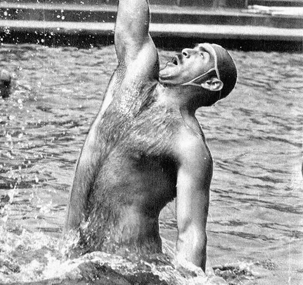 Двухметровый спортсмен из СССР напугал интернет