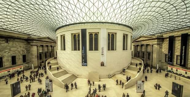 https://turizm.world/wp-content/uploads/2015/06/vnytri-britanskogo-myzeua-england.jpg