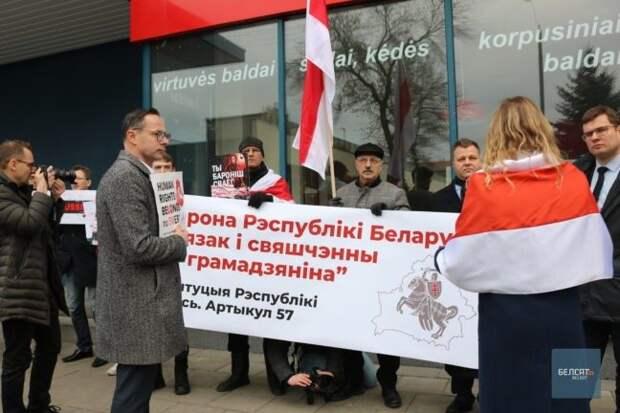 Почему белорусы предпочитают разговаривать на русском языке, а не на белорусском