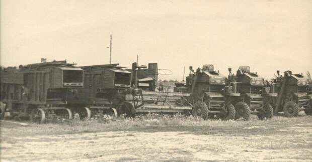 Тракторы, лесовозы, мотоциклы — какие машины помогали советским людям в работе?