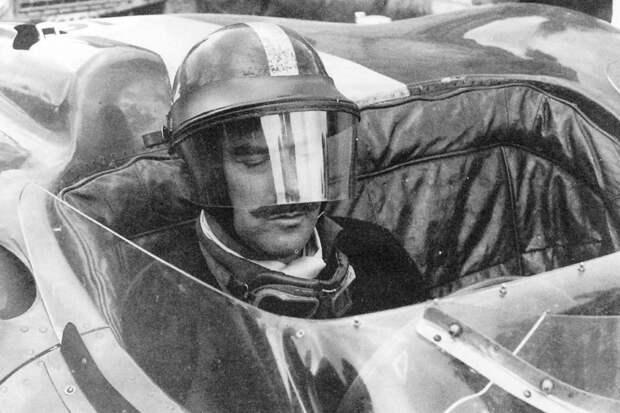 Однорукий герой автогонок: удивительная история Арчи Брауна, гонщика победившего свое увечье