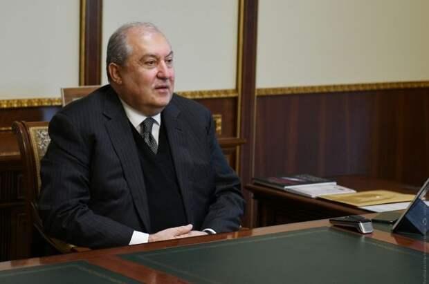 Президент Армении посетит Россию с частным визитом