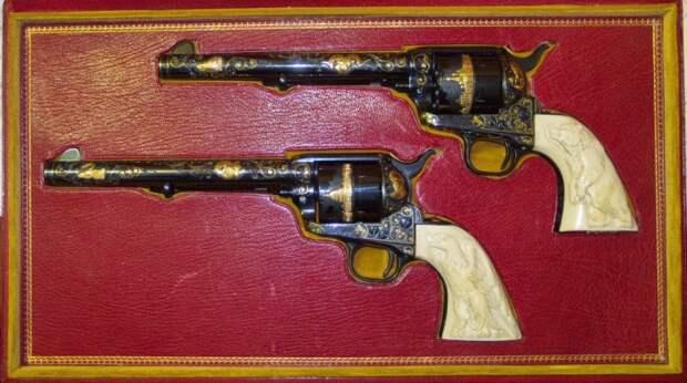 Именные револьверы Брежнева./Фото: 20k.su