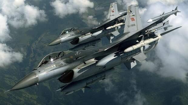 СРОЧНО: Противостояние истребителей F-16 в Средиземноморье (ВИДЕО)