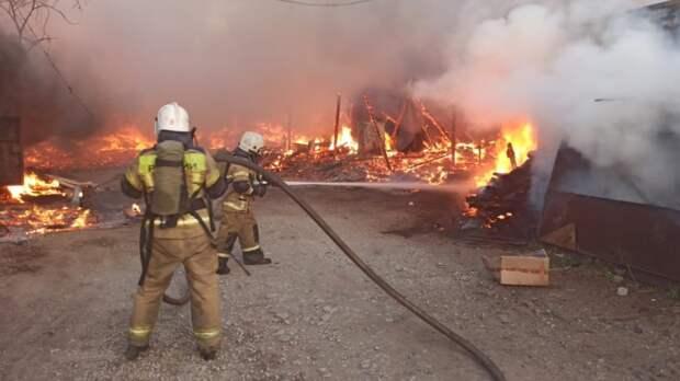 Короткое замыкание в электросети могло спровоцировать пожар на складе в Москве