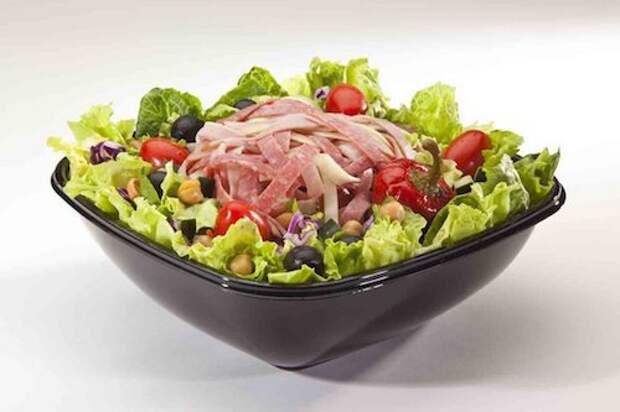 Питательные салаты с ветчиной, огурцами и кукурузой: 6 лучших рецептов
