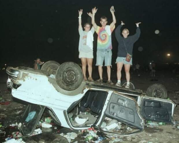 """День, когда умерли 90-е"": Вудсток 1999 года"