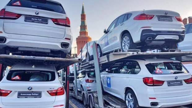 """""""Предал родину, получи награду"""": пользователей Twitter возмутили автомобили BMW в подарок олимпийцам"""