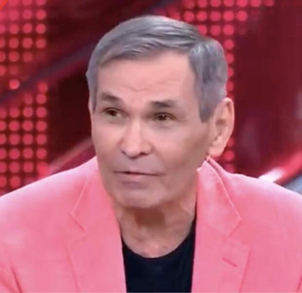 Бари Алибасов «залюбил» сына и девушку, которую тот под него «подложил»