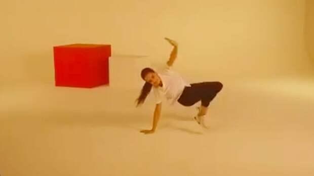 «Всегда любила занятия по хореографии, джазу и балету у Тутберидзе». Загитова исполнила причудливый танец