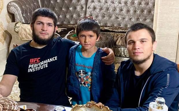 Брат Нурмагомедова выздоровел и вернулся в Россию