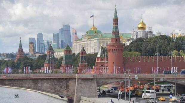 Бремя западных санкций против Белоруссии возьмет на себя Россия – эксперт
