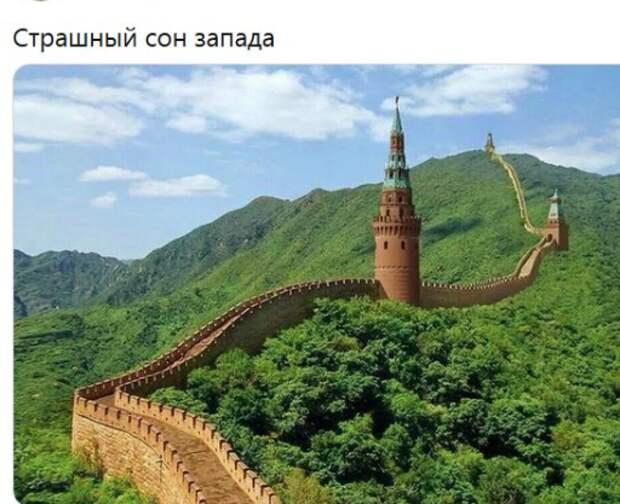 Глеб Павловский считает, что Путин за десять лет развалил всю систему отношений России с остальным миром