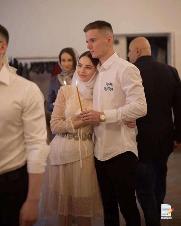 Невестку Валерии раскритиковали за отдых без дочери