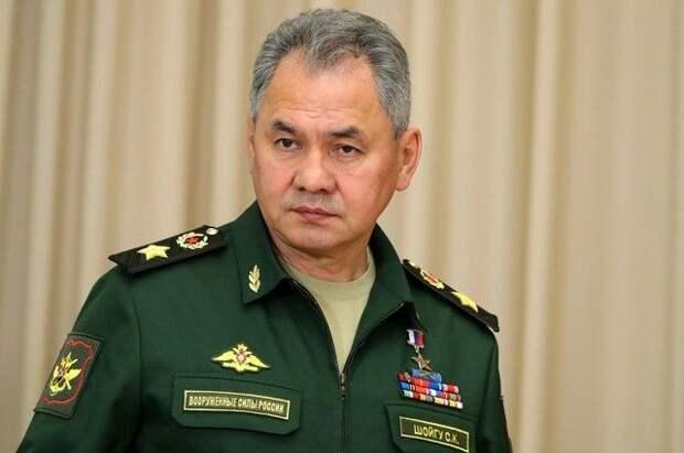 Шойгу прибыл на военные учения в Крым