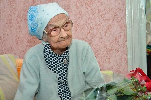 «Хочу дожить до 150 лет!» Известная российская долгожительница рассказала, с помощью чего удлиняет себе жизнь»