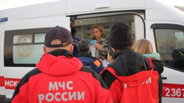 Три верхних этажа рухнули в полыхающем доходном доме в Петербурге