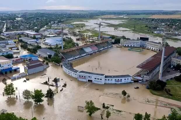 Число пострадавших от потопа в Ялте возросло до 18 человек