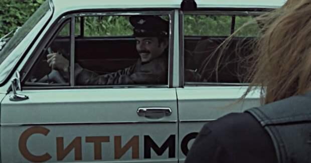 Антон Лапенко сел за руль «Ситимобила» в новом эпизоде своего YouTube-сериала