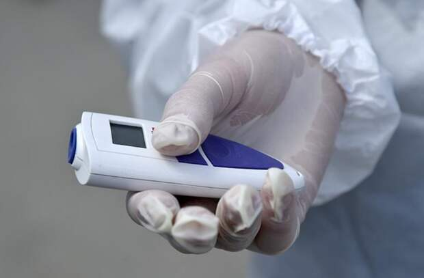 Врач-пульмонолог рассказала, что не нужно сбивать температуру при легкой форме коронавируса