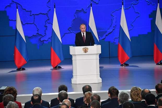 Путин призвал наращивать темпы вакцинации от коронавируса