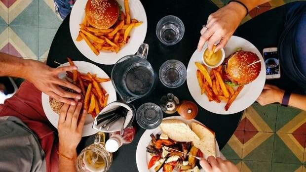 Восемь из десяти причин смерти связаны с неправильным питанием